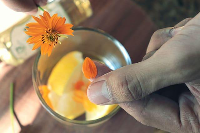 Caipirinha De Flores Com Cachaca Artesanal 11
